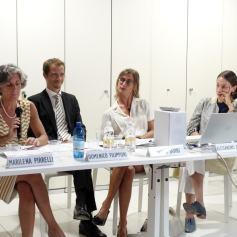 Immagine dal precedente incontro. Da sinistra: Marilena Pirelli, Alessandro Pomelli, Lavinia Savini e Clarice Pecori Giraldi